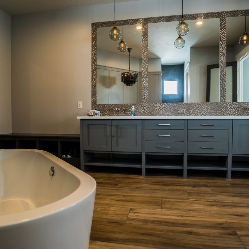 Arcadia Master Bathroom